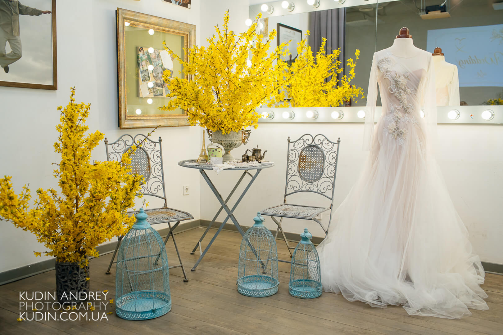 event yellow decoration ideas